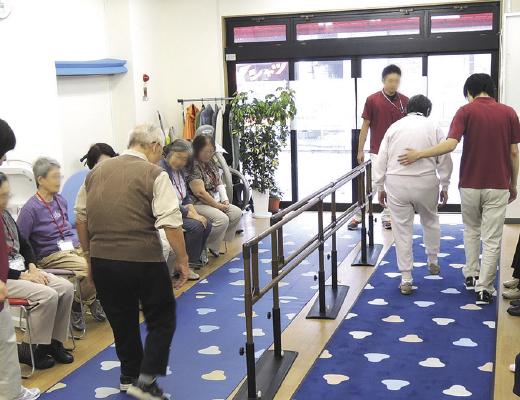高齢者歩行訓練イメージ1
