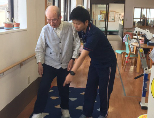 高齢者歩行訓練イメージ3